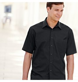 Fruit of the Loom Poplin Short Sleeve Shirt.