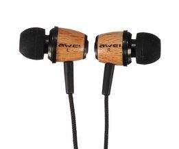 Fones de ouvido de baixo de madeira