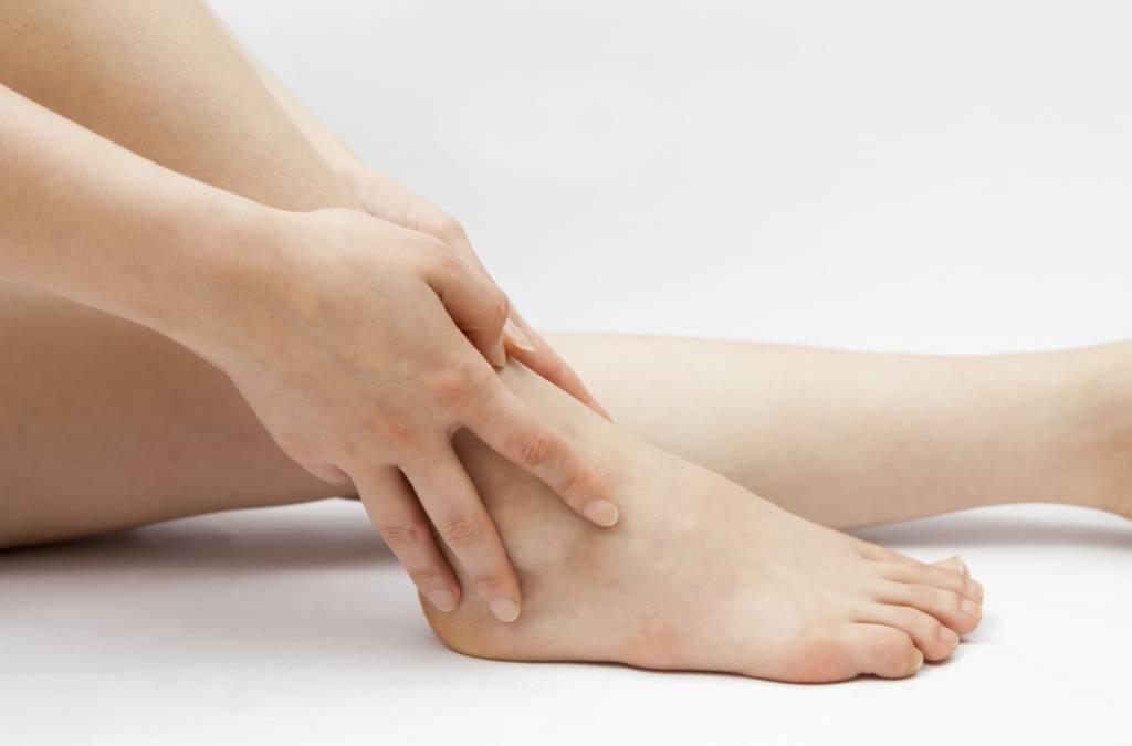 Malaise ou douleur au talon ou à la cheville: aide à guérir ou à prévenir