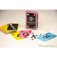 Cartes de jeu avec une grande impression et des couleurs