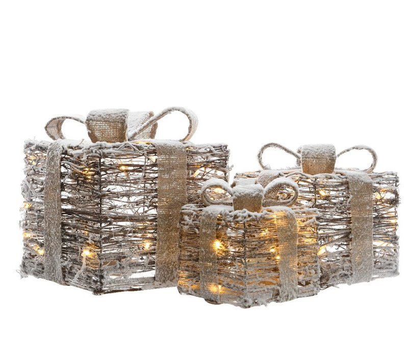 Set of 3 giftboxes in rattan with LED's