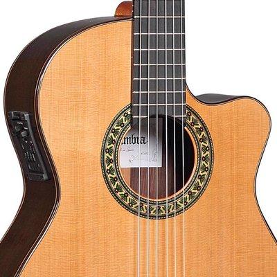 Alhambra 5P-CW-E2 Klassieke gitaar met cutaway en element Natural