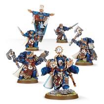 Marneus Calgar with Honour Guard