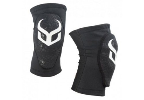DEMON Knee Guard Soft Cap Pro JR