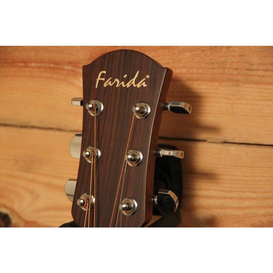Farida J16