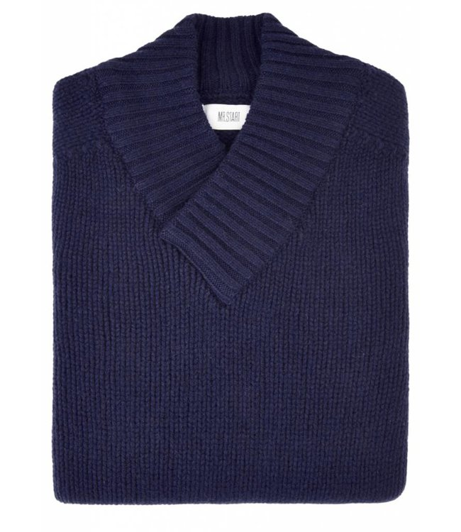 The Assynt Geelong Lambswool in Blue