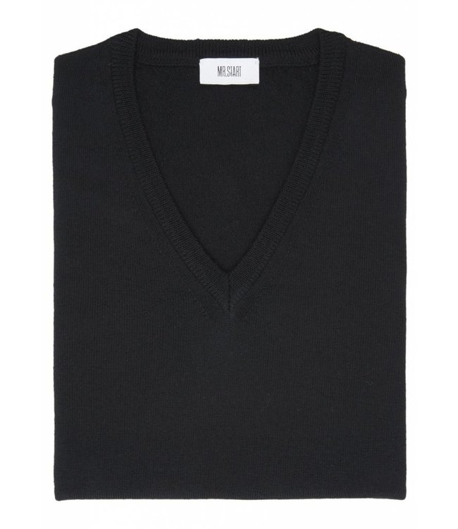 Merino Fine Knit V-Neck in Black