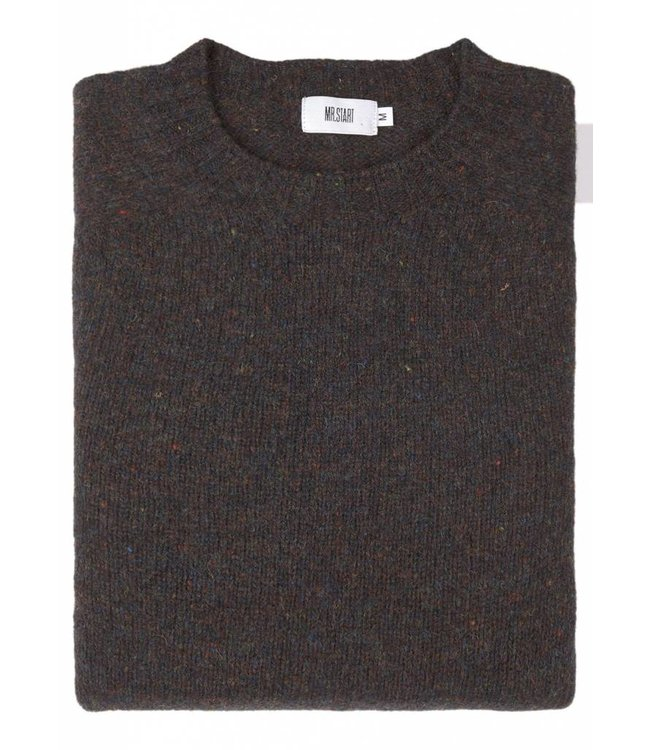 The Lomond Pure Shetland Wool Crew Neck Sweater in Midnight