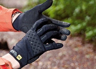 Gloves, Mitts, Overshoes and Warmers