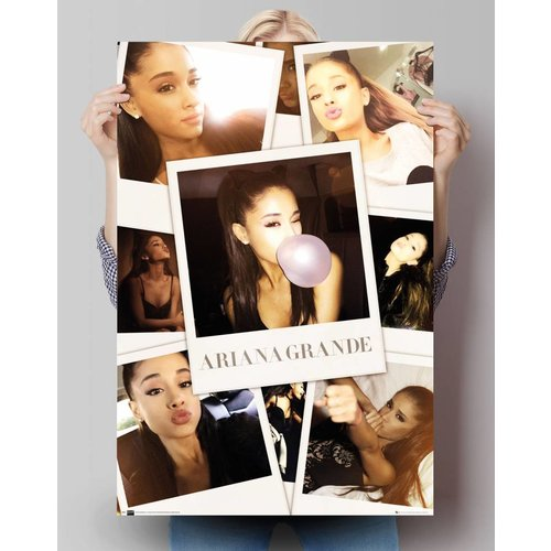 Poster Ariana Grande kniend