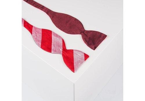 Gentleman's Agreement Selbstbinder aus Dupion Seide gestreift in Bordeauxrot. Rosé und Rot