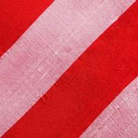 Selbstbinder aus Dupion Seide gestreift in Bordeauxrot. Rosé und Rot