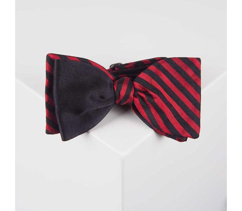 Selbstbinder aus Dupion Seide gestreift in Schwarz und Rot