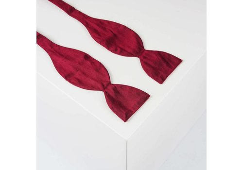 Gentleman's Agreement Selbstbinder aus Dupion Seide in Bordeauxrot