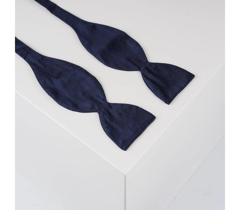 Selbstbinder aus Dupion Seide in Marine Blau