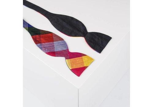 Gentleman's Agreement Selbstbinder aus Dupion Seide kariert in Schwarz und Regenbogenfarben