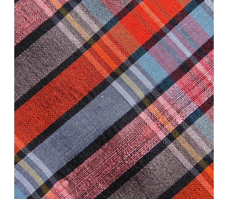 Selbstbinder aus Dupion Seide mit Karo Muster in Orange. Himmelblau und Rost
