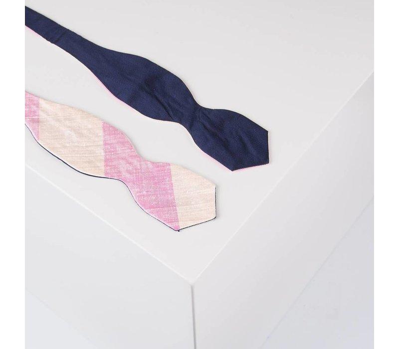 Selbstbinder aus Dupionseide gestreift in Marine, Rosé und Creme Diamant