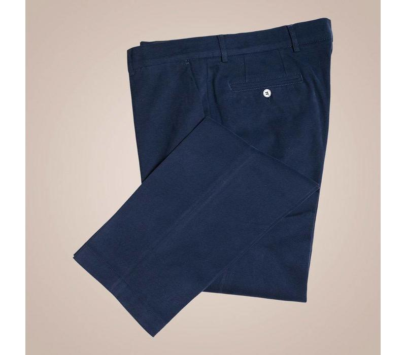 Chino aus elastischer Baumwolle in dunkelblau | Passform: Slim Fit