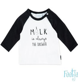 Feetje Shirt 'the answer is milk'