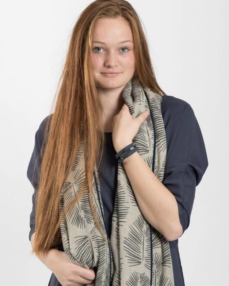 Zusss sjaal met blad krijt
