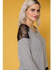 October streepshirt met kant