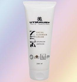 Utsukusy Bijin Facial cleanser cream salon packaging