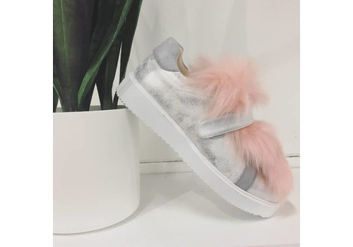 Vanessa WU FURRY SNEAKERS!