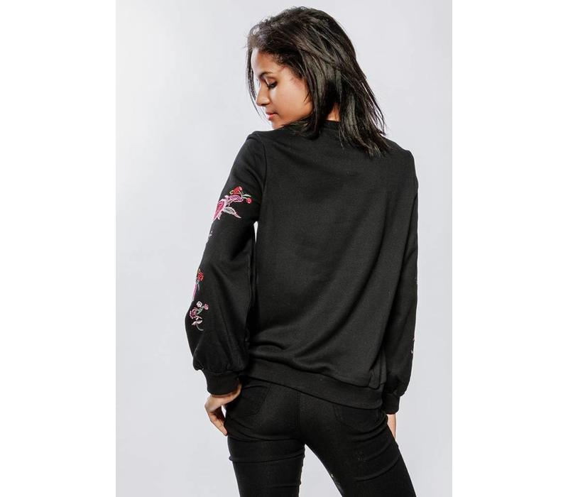 EMBROIDERED KNIT - BLACK