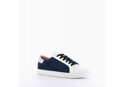A TOUCH OF NAVY SNEAKER
