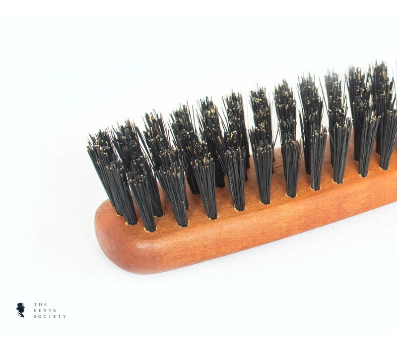 natuurlijke baardborstel met wildzwijnenhaar en een handvat