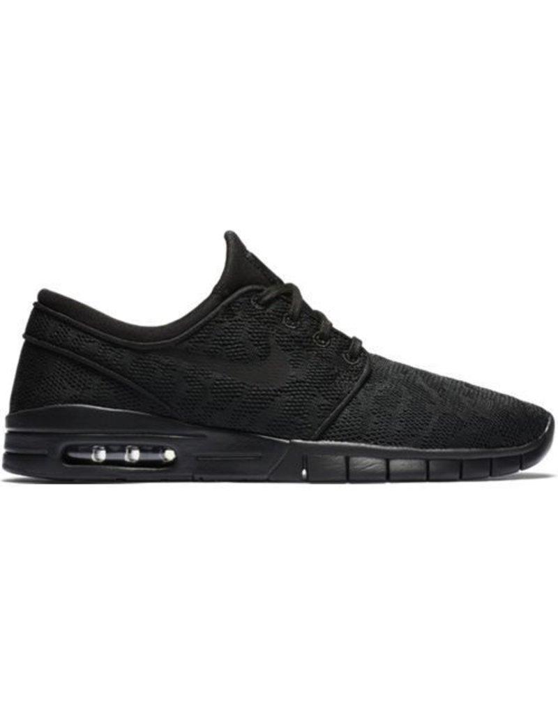 nike sb stefan janoski max trainers in black
