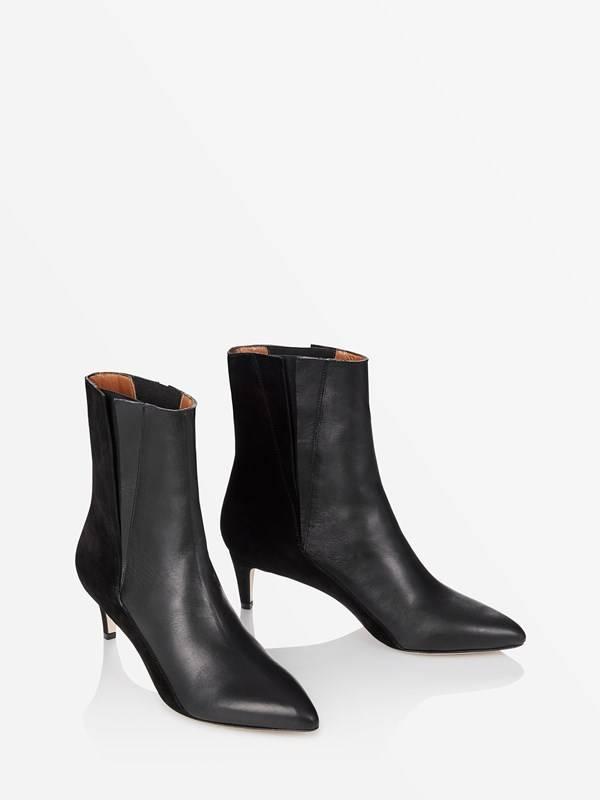 ATP Nila boots