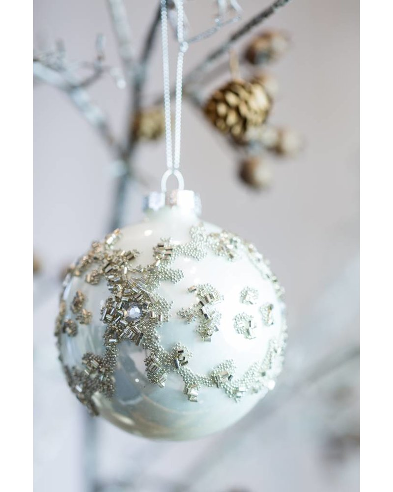 SPARKLING PEARLESCENT BAUBLE
