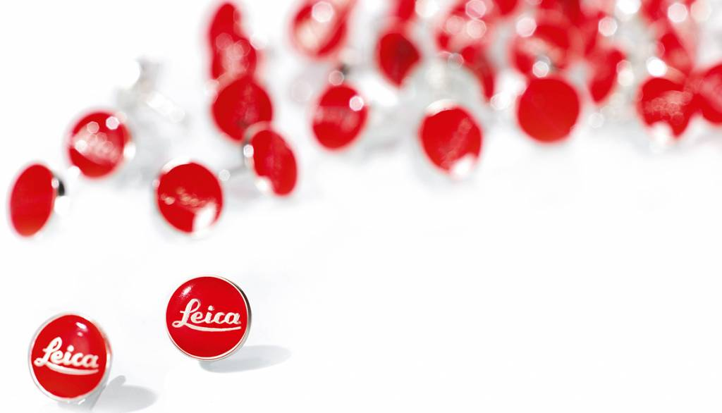 Leica Pin Red