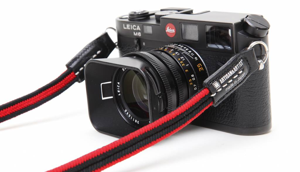 Artisan & Artist ACAM 310N silk camera strap - black/red