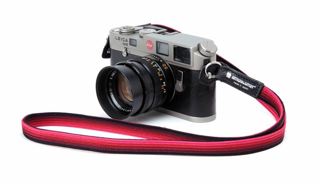Artisan & Artist ACAM 312N silk camera strap - black/silver