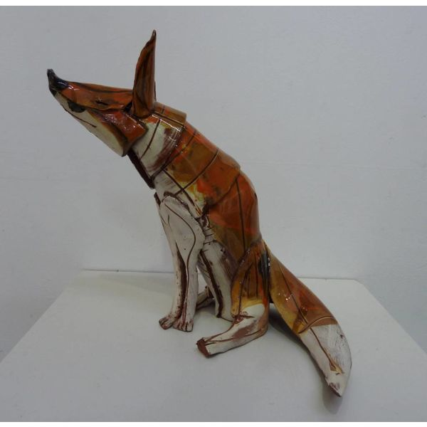 Sitting Fox 1 front ceramic