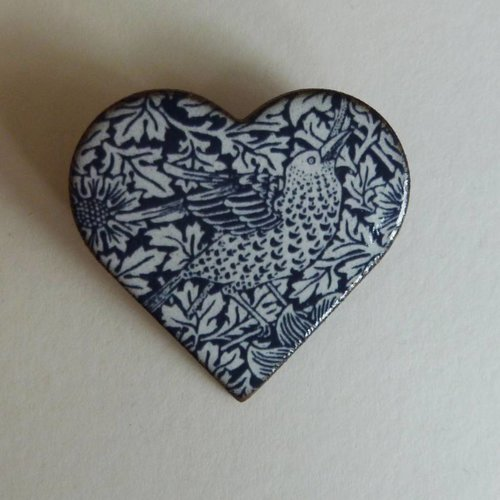 Stockwell Ceramics Heart blue bird brooch