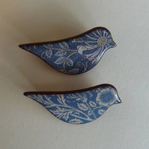 Stockwell Ceramics Cobalt blue bird  brooch