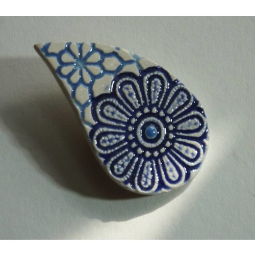 Stockwell Ceramics Textured blue leaf shape brooch