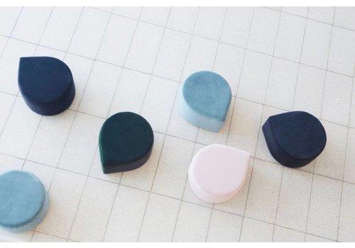 AYTM Velvet pouf