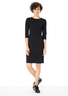 Zenggi Serious Dress Black
