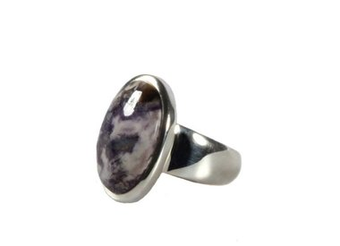 Bertrandiet of tiffany stone ringen