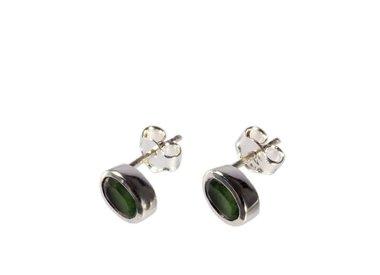 Zilveren oorstekers met edelstenen