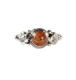 Zilveren ring zonnesteen maat 16 1/2 | rond blaadjes