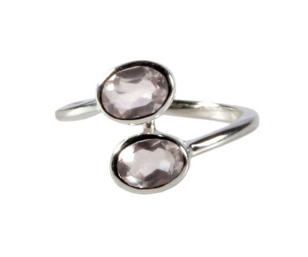 Zilveren ring rozenkwarts maat 18   2 ovalen (zeer licht)