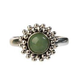 Zilveren ring jade maat 17 1/4 | rond bolletjes