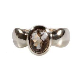Zilveren ring bergkristal maat 18 1/4 | ovaal facet 9 x 7 mm