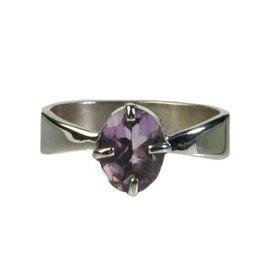 Zilveren ring amethist maat 18 1/4 | ovaal facet gezet